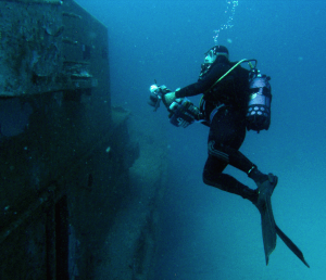 Photographing a wreck under water